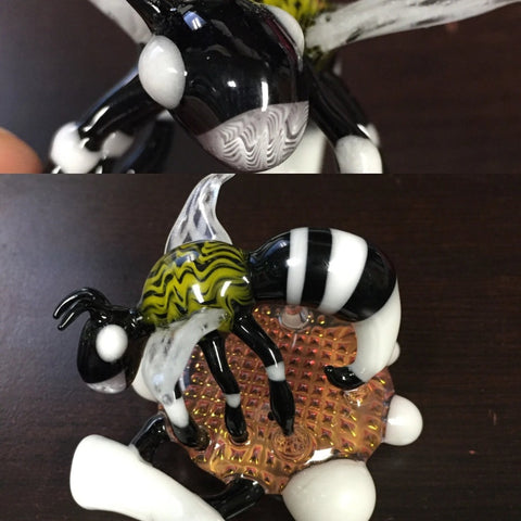 AZP Wasp Pendant - Shell Shock