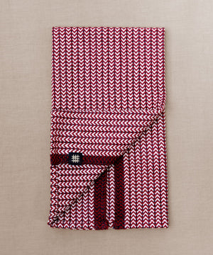 Handwoven towel for the bath or kitchen, made with American cotton.