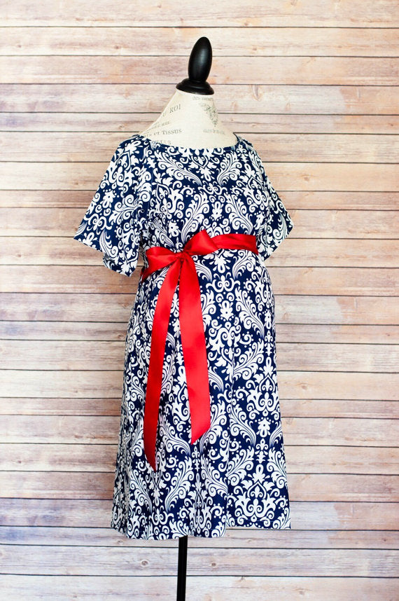 Modmum Maternity Hospital Gown - Navy Damask (red sash) | BabyDots ...