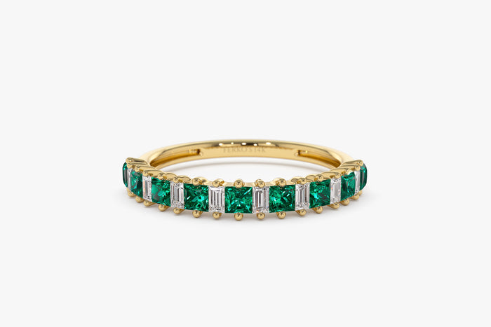 14k Unique Princess Cut Emerald and Baguette Diamond Ring