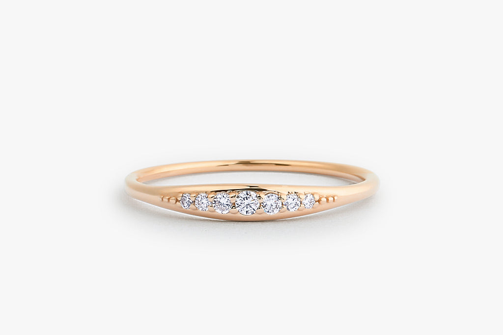 14k Graduating Diamond Wedding Band - Ferkos Fine Jewelry