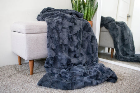 6 Stylish Ways to Display Minky Blankets on Your Couch