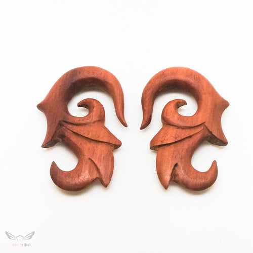 00 gauge saba wood ear expander, 10mm 3/8