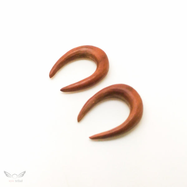 2 gauge u horn shape tribal taper, Saba wood 6mm 2g plugs gauges BC129-06