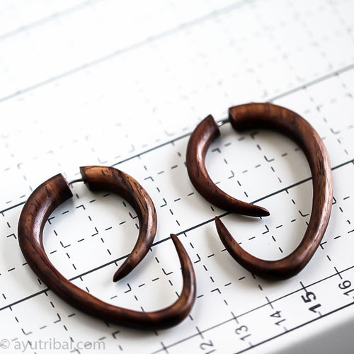 Sono wood asymmetric large spiral fake gauge earrings, faux ear hanger aa050