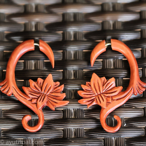 Saba wood spiral lotus carving fake gauge earrings, faux ear plugs gauges AC086