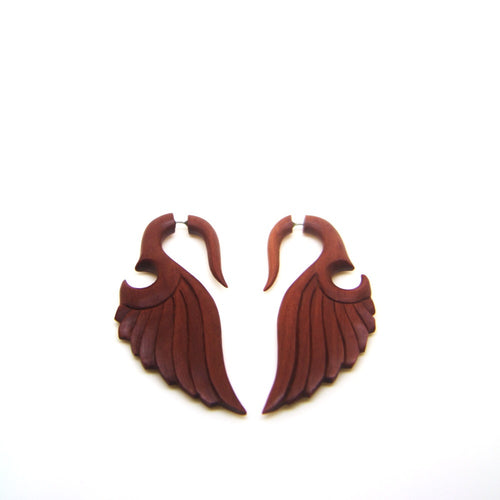 Abstract wings carving fake gauge earrings AC027