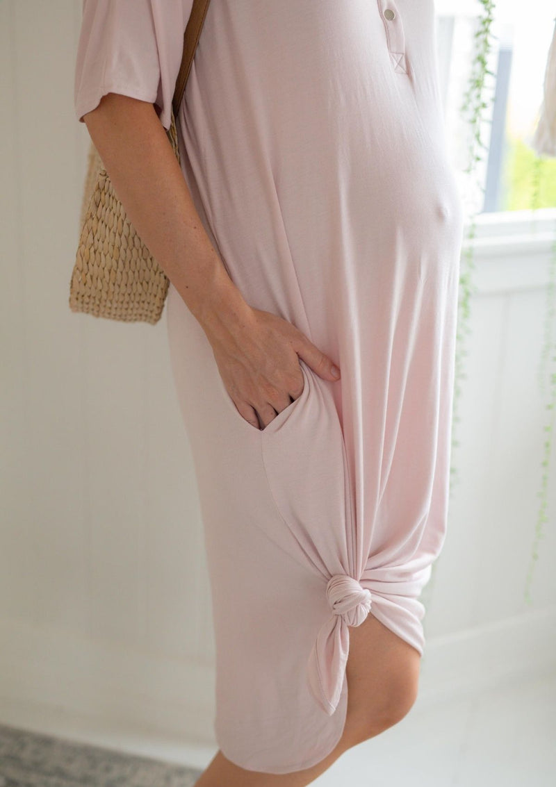 The Comfort Mama dresses for pregnancy,  labour, breastfeeding and beyond. Elle Rose Dusty Pink.