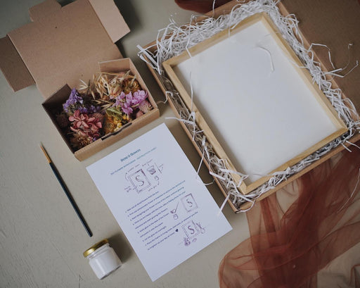 DIY Monogram Flower Frame