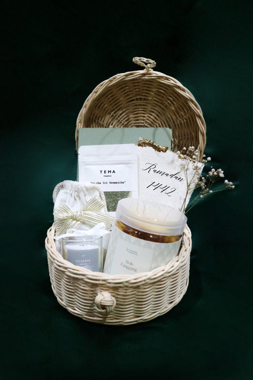 Rustic Holiday Hamper