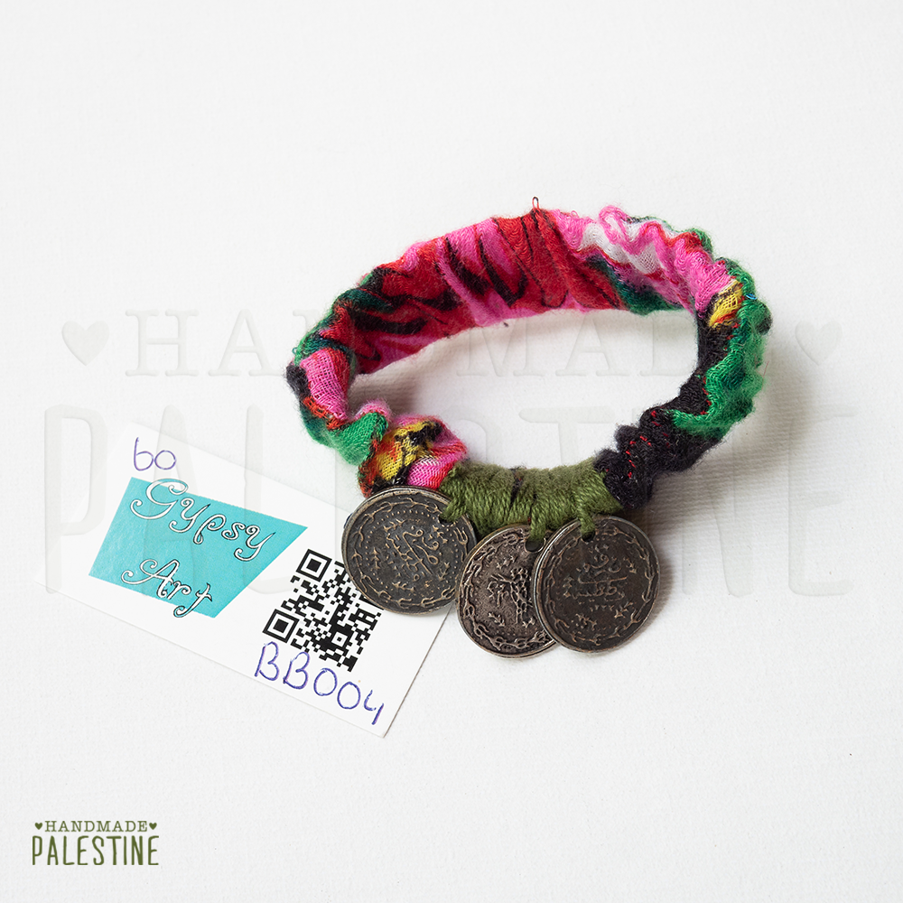 Gypsy Bracelet: green thread with 3 coins on pink / green fabric elastic