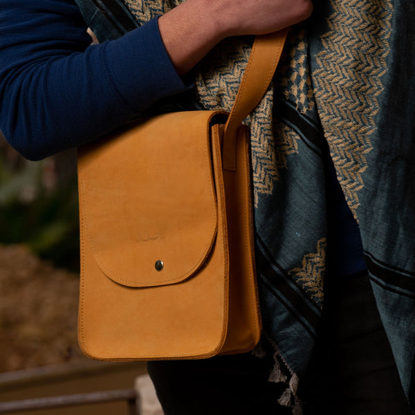 Leather & Clothing - Handmade Leather Messenger Bag