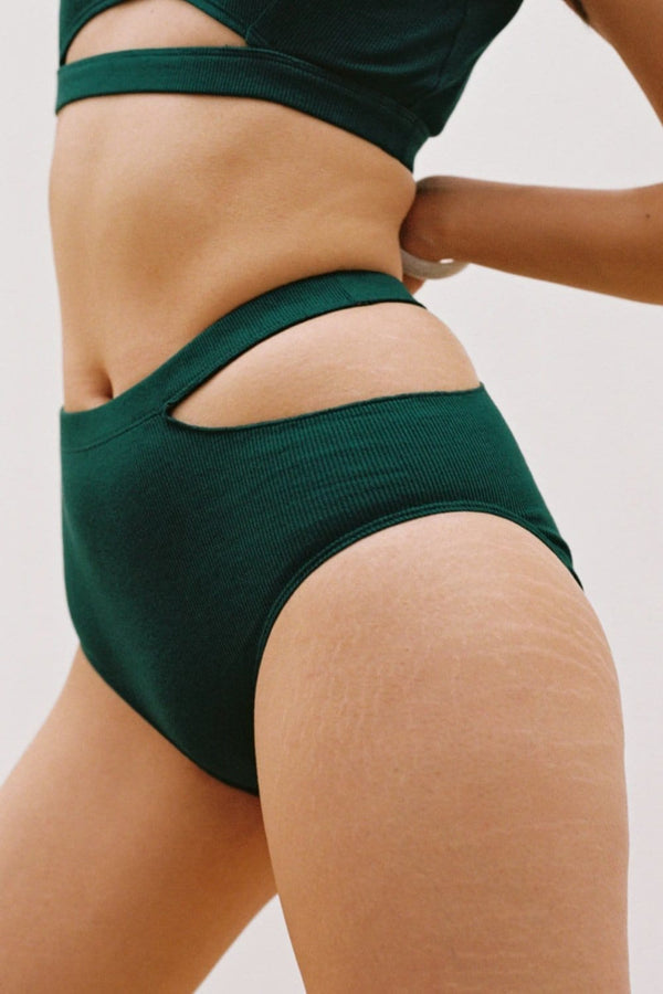 Sade Brief in Emerald