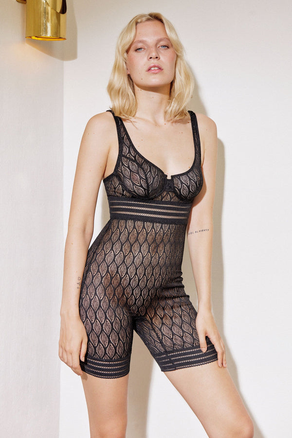 Else Belize underwired biker short suit in black lace, front view on model