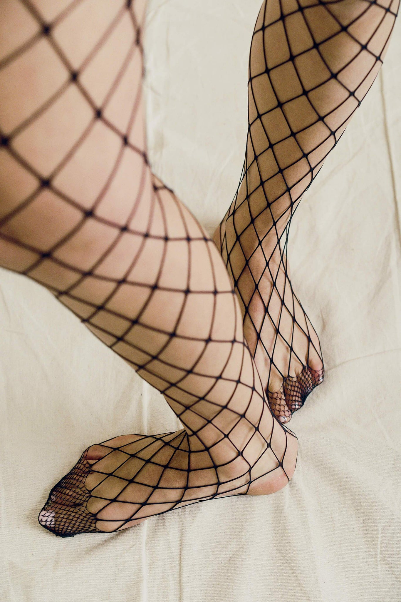 Medium Fishnet Stockings
