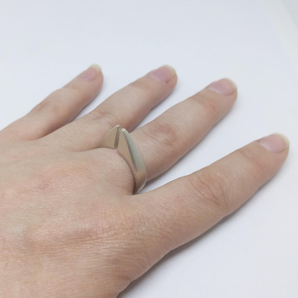 LACUNA Ring - Size 6