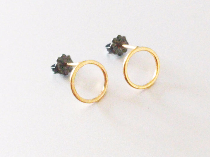 Wire Circle Studs