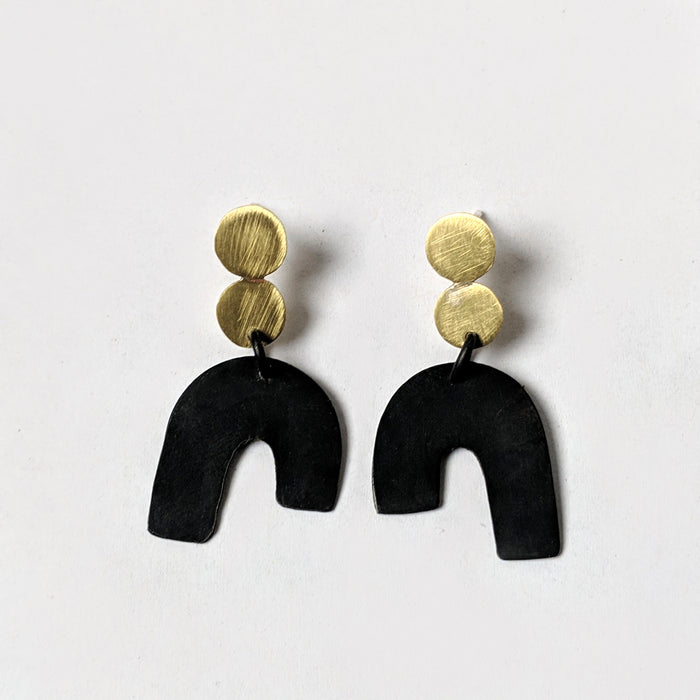 Dot, dot, arc earrings