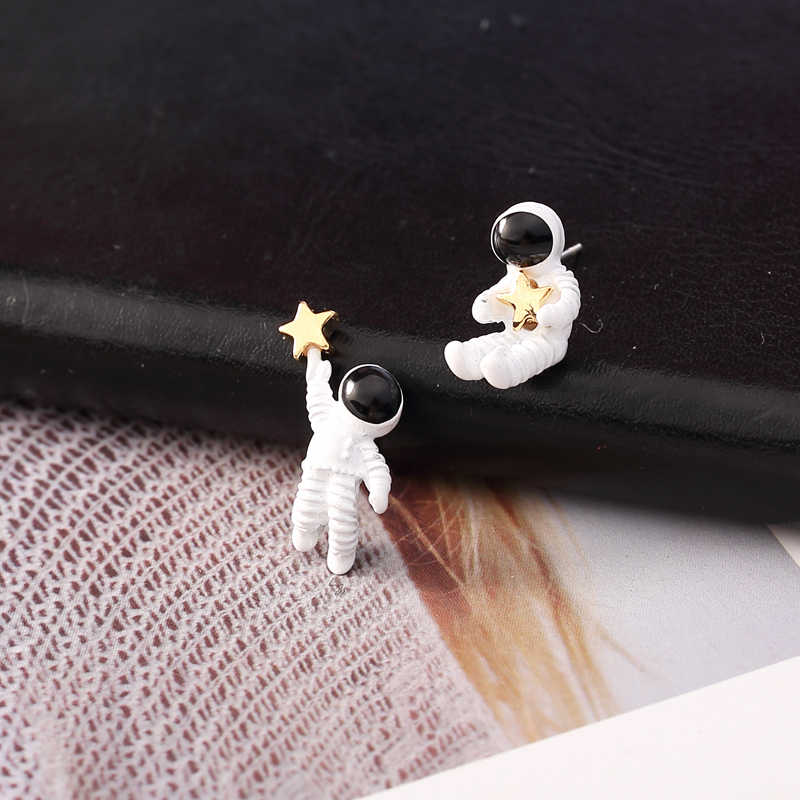Astronaut Earrings - SpaceX Fanstore