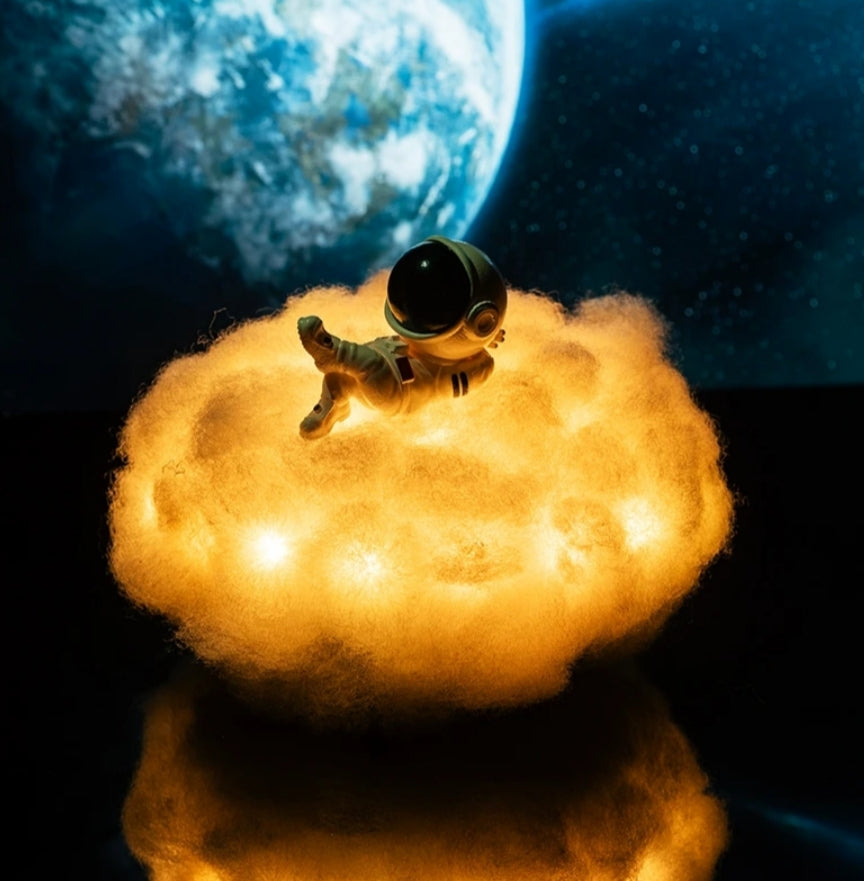 Chilling Astronaut Lamp - SpaceX Fanstore