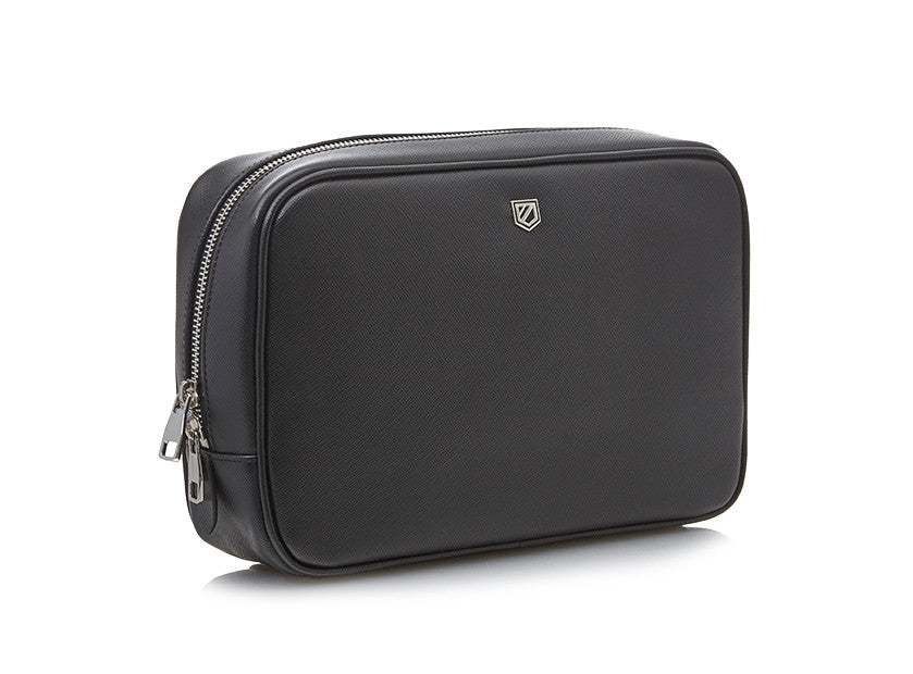 Saffiano leather wash bag by Pock-it London. Upgrade your luggage with our stunning Weekender wash bag!