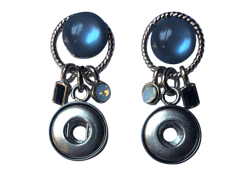 Petite - Blue stud earrings