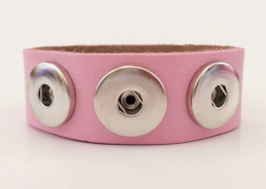 Classic soft grain 3-snap leather bracelet, Pink