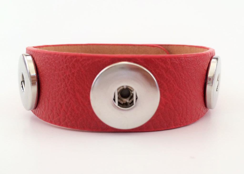 Classic soft grain 3-snap leather bracelet, Red