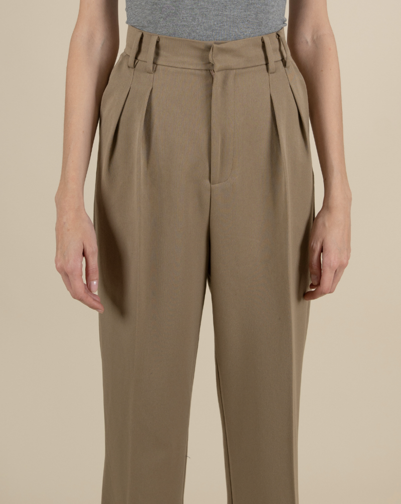 #COMFORTZONE# Tea Khaki Wool Suitpants with Leather Belt