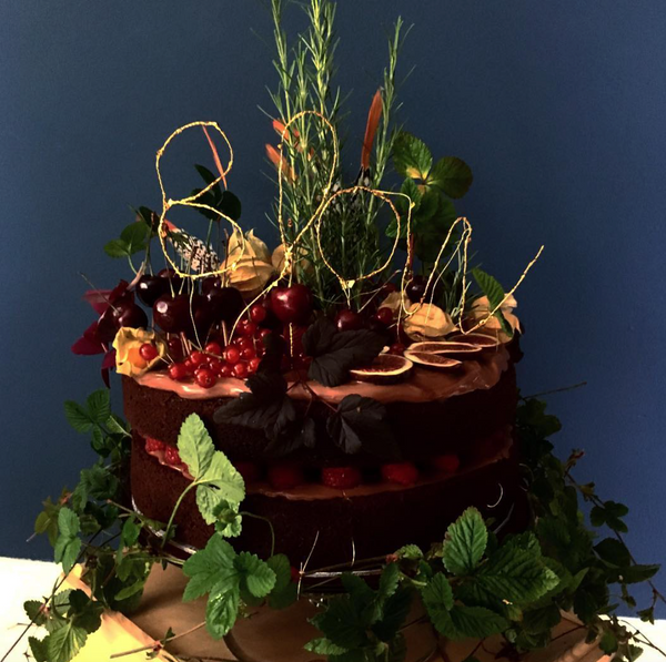 <b>Winter Floral Chocolate Cake<b>