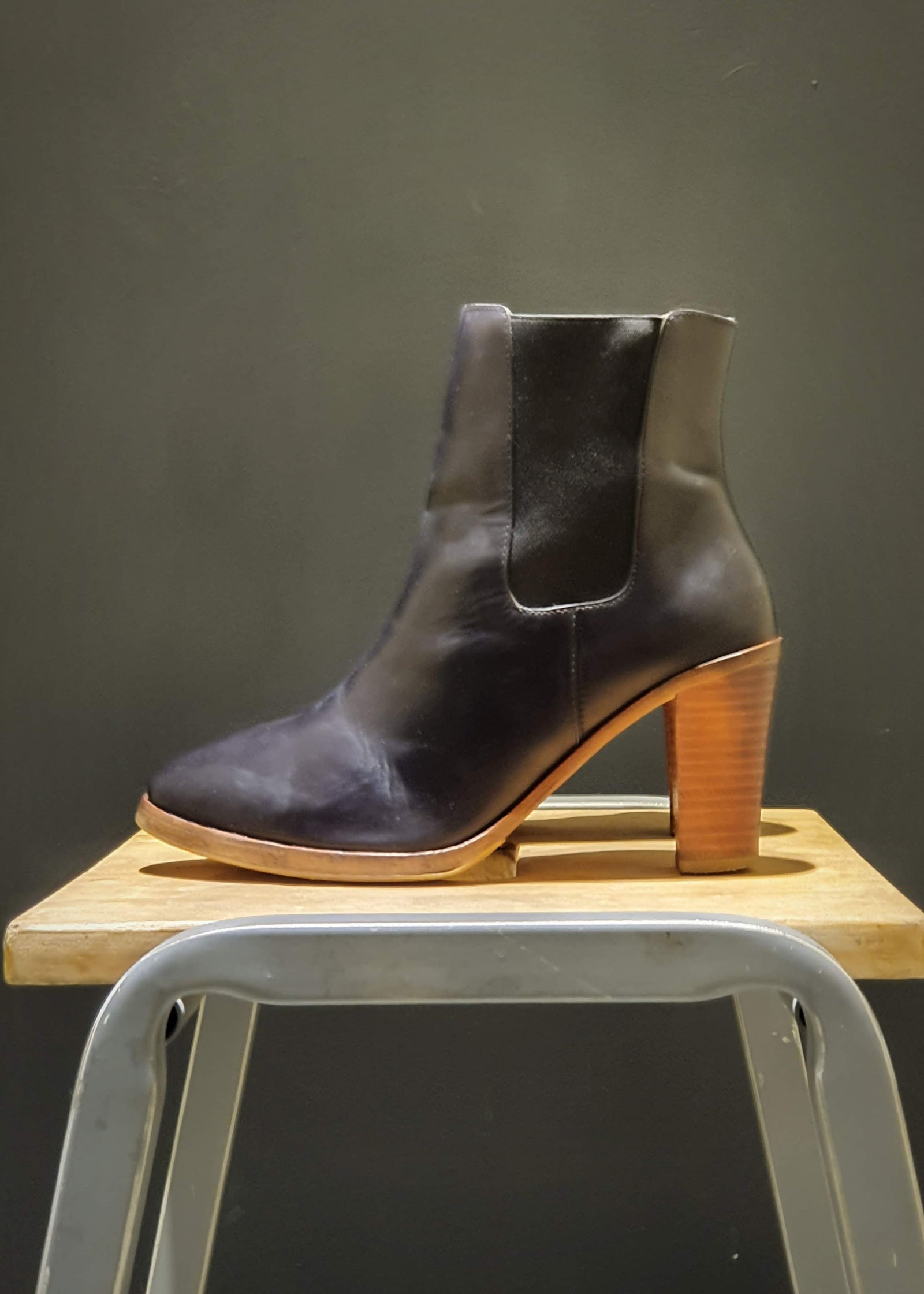 Preworn | Preloved <br> 'A. P. C.' <br>Healed Chelsea Boots<br>Size 5 UK
