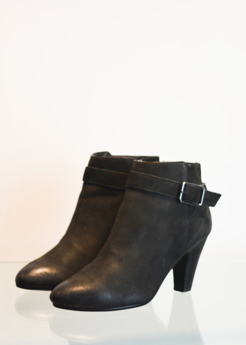 PREWORN | Preloved - 'ASH' Ankle Boots - Size 6