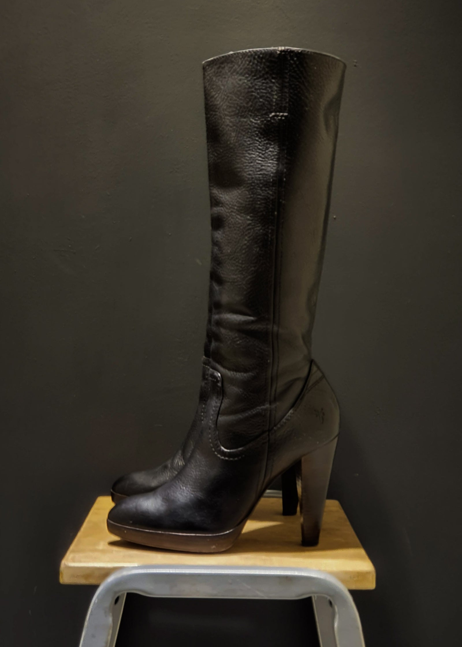 Preworn | Preloved <br> 'FRYE' <br>Harlow Campus Tall Boots <br>Size 7 UK
