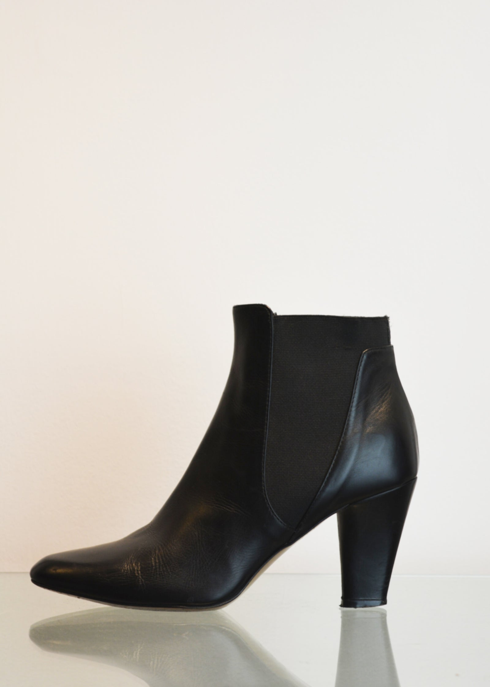 PREWORN | Preloved - 'HOBBS' Ankle Boot - Size 6 UK