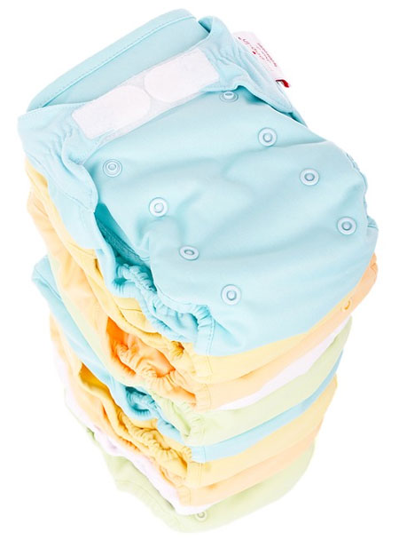 Cloth Diapers: 5 Reasons to Consider Switching