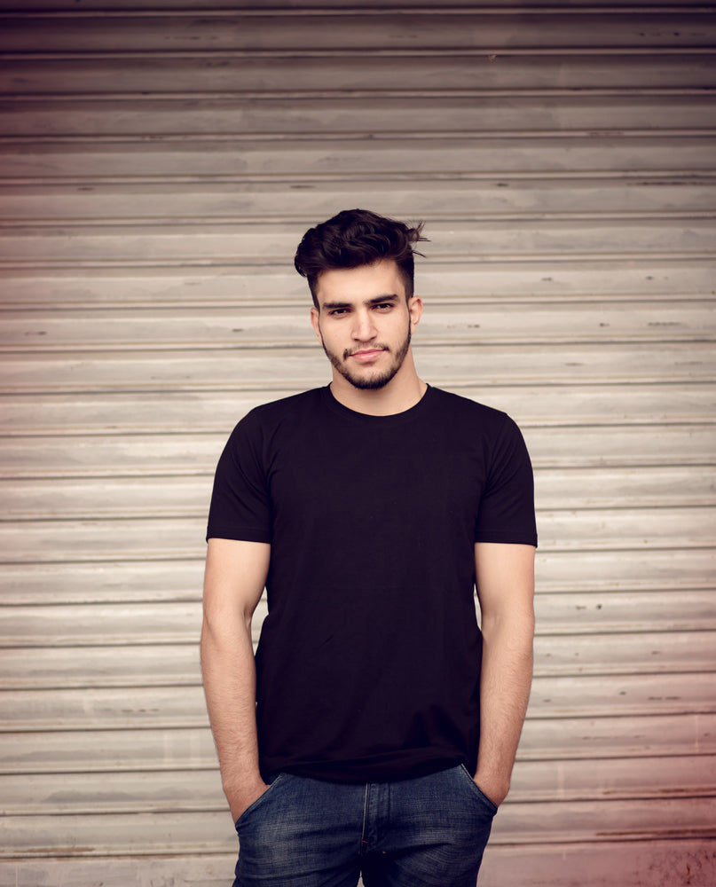 Black Round Neck Solid Tshirt