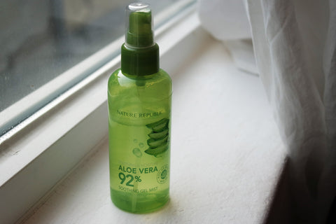 Recensione di Nature Republic Aloe Vera Soothing Gel Mist Spray Viso