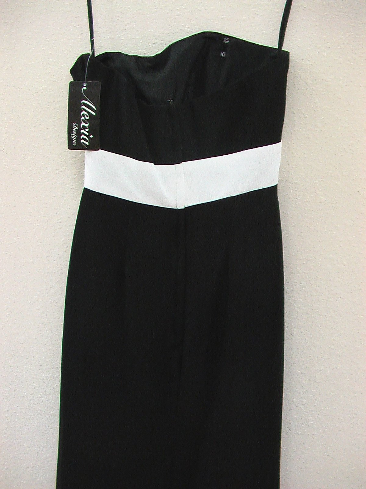 Alexia 4064 Black/White size 6 In Stock Bridesmaid Dress-NEW - Tom's Bridal