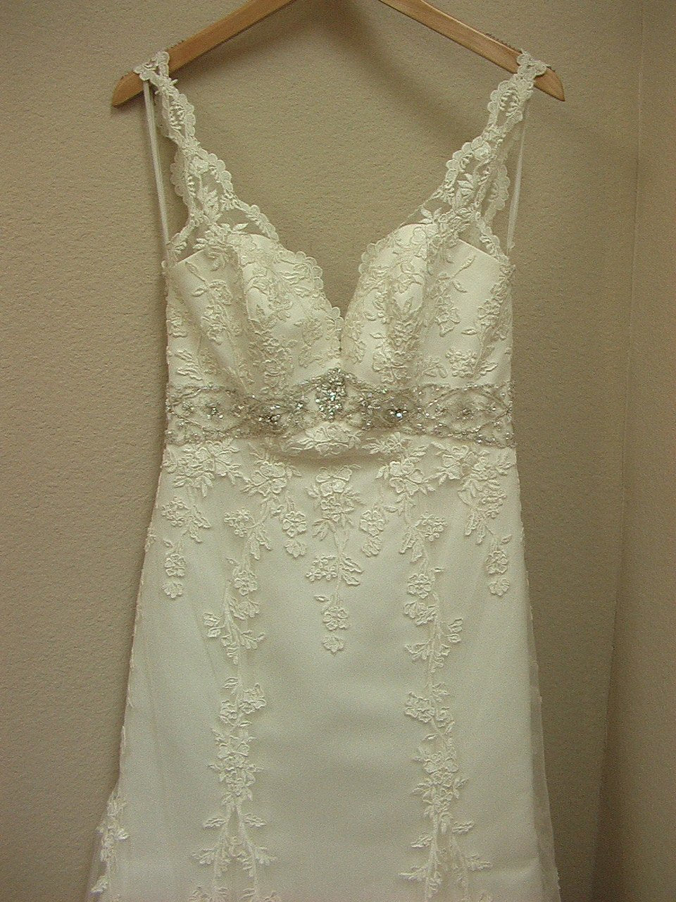 Allure 2250 Ivory/Silver size 10 In Stock Wedding Dress