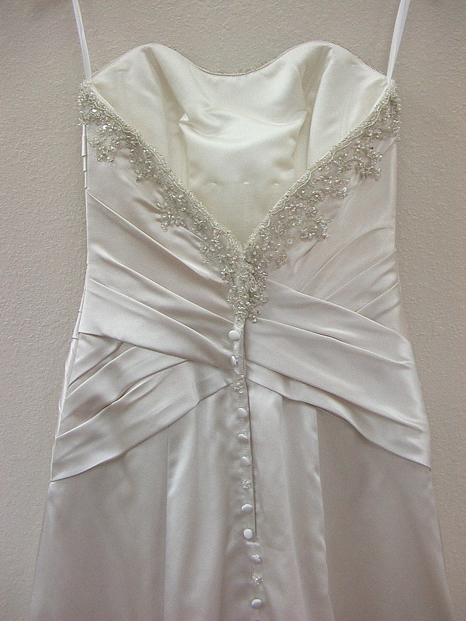 Allure 2265 Pearl size 4 In Stock Wedding Dress