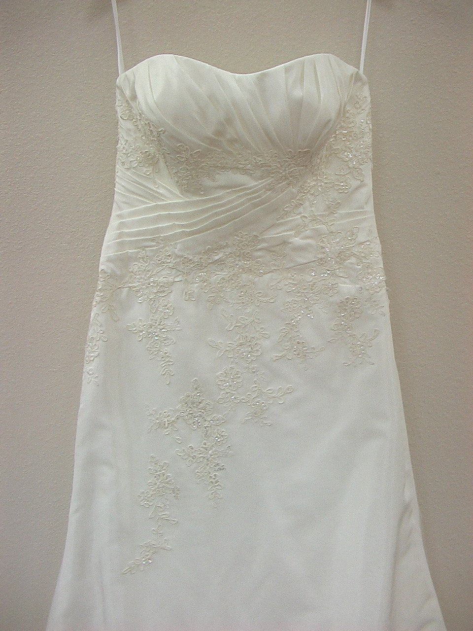 Allure 2315 Ivory size 12 New In Stock Wedding Dress