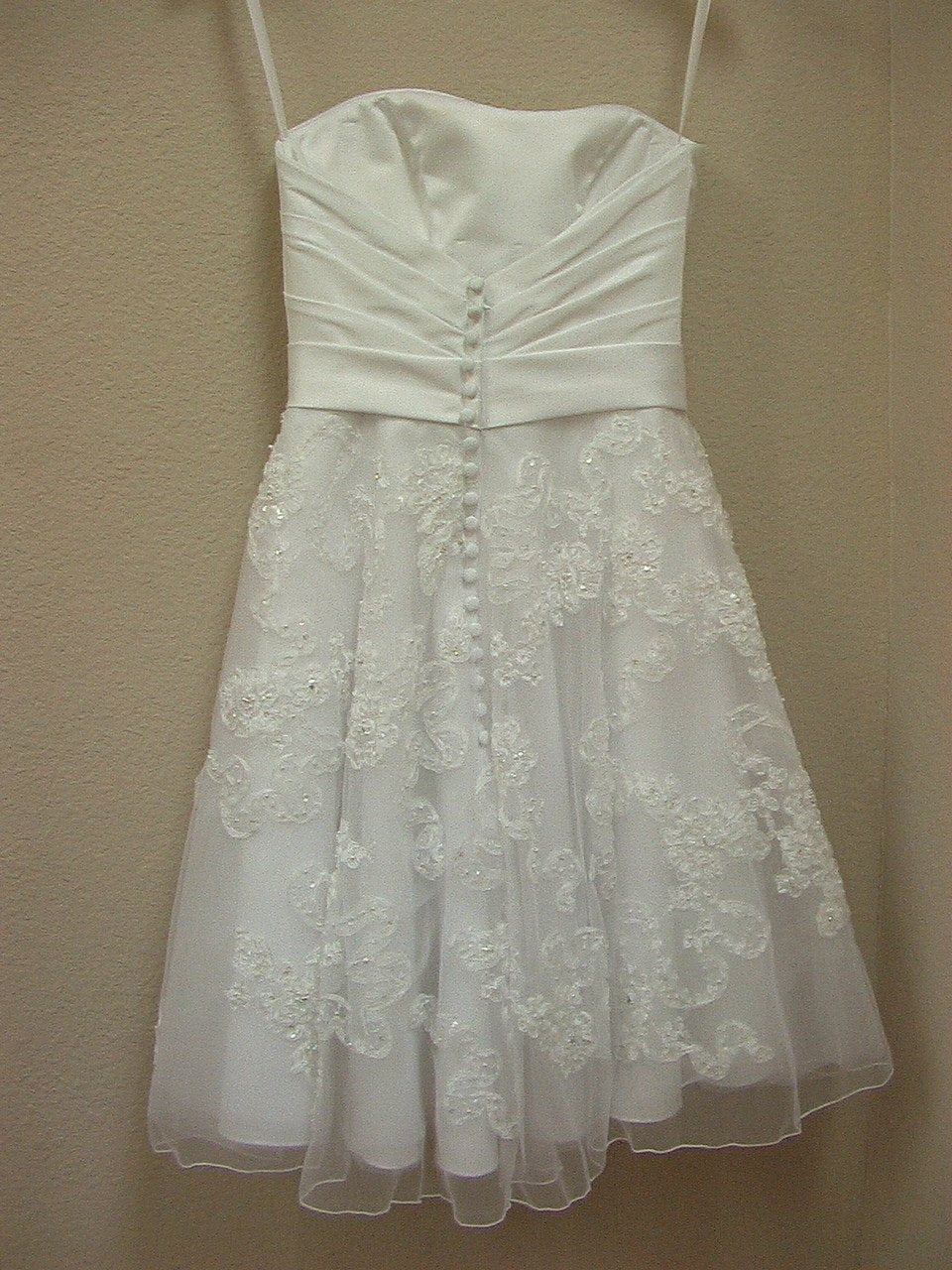 Allure 2355 White/Silver size 6 In Stock Wedding Dress - Tom's Bridal