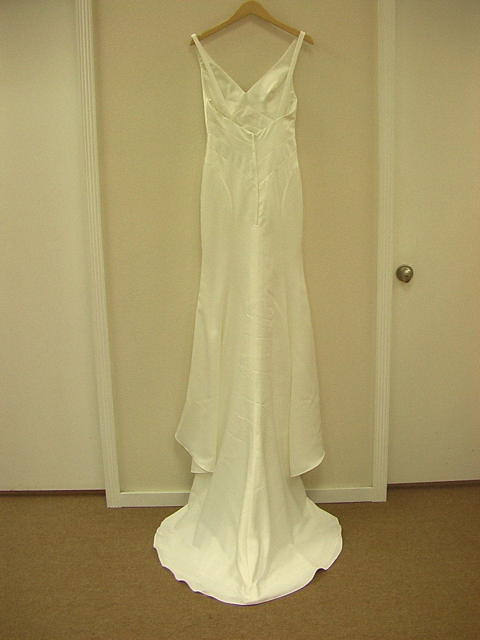 Allure 839 Ivory size 6 In Stock Wedding Dress - Tom's Bridal