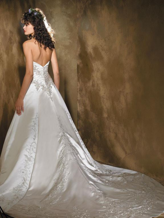 Allure 8425 Diamond White/Cafe size 4 In Stock Wedding Dress - Tom's Bridal