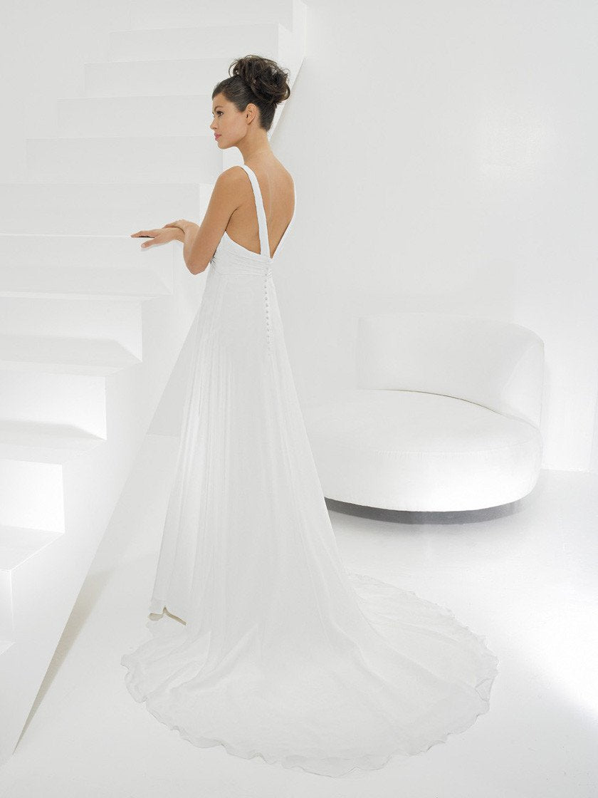 Allure 899 Ivory/Silver size 12 In Stock Wedding Dress