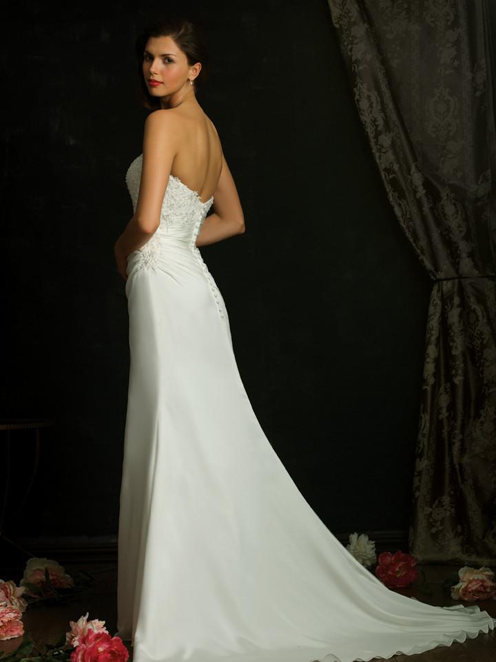 Allure 921 Ivory size 4 In Stock Wedding Dress