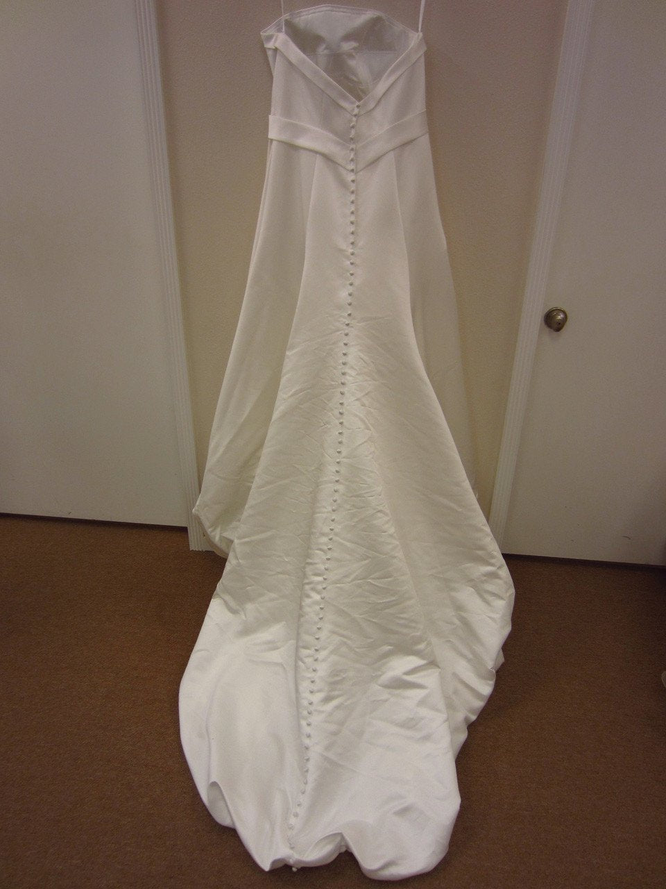 Allure P789 Diamond White size 18 In Stock Wedding Dress