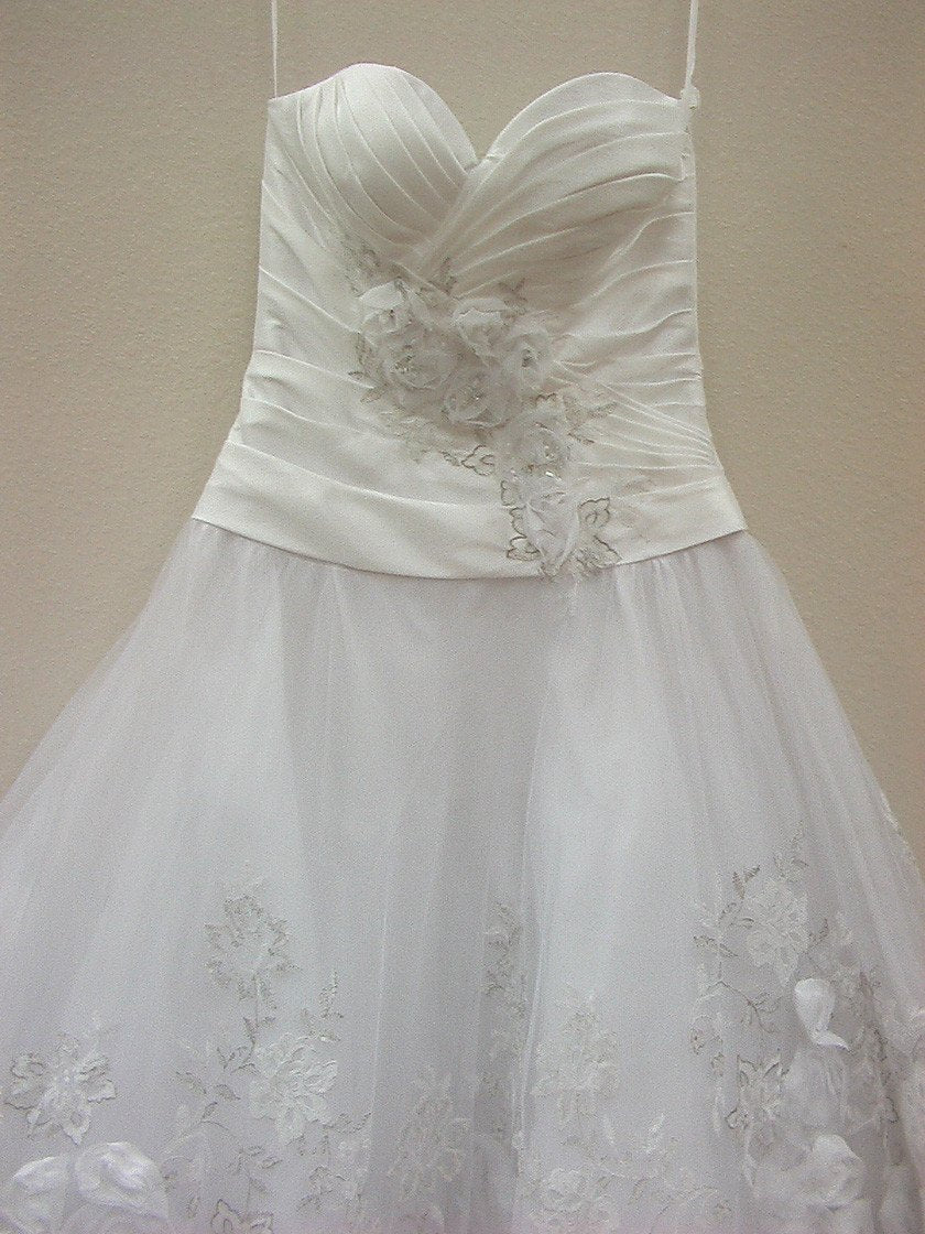 Allure Q270 White size 8 In Stock Quinceanera Dress - Tom's Bridal