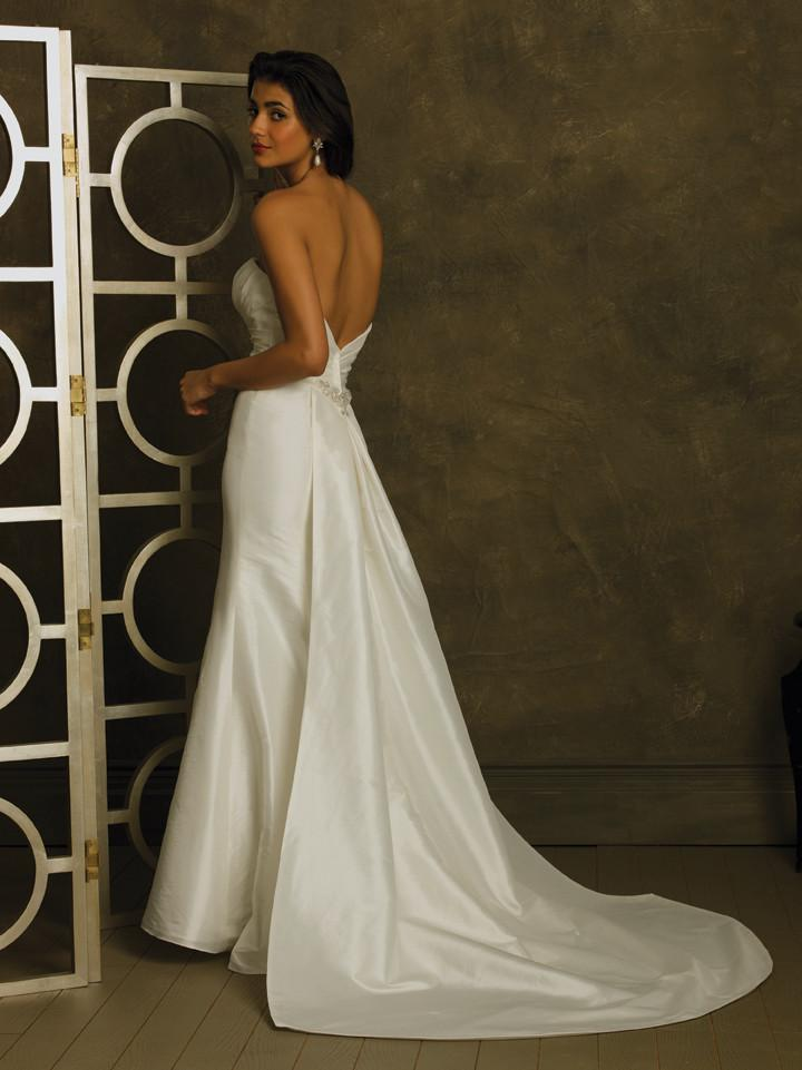 Allure R107 Ivory size 12 In Stock Wedding Dress - Tom's Bridal