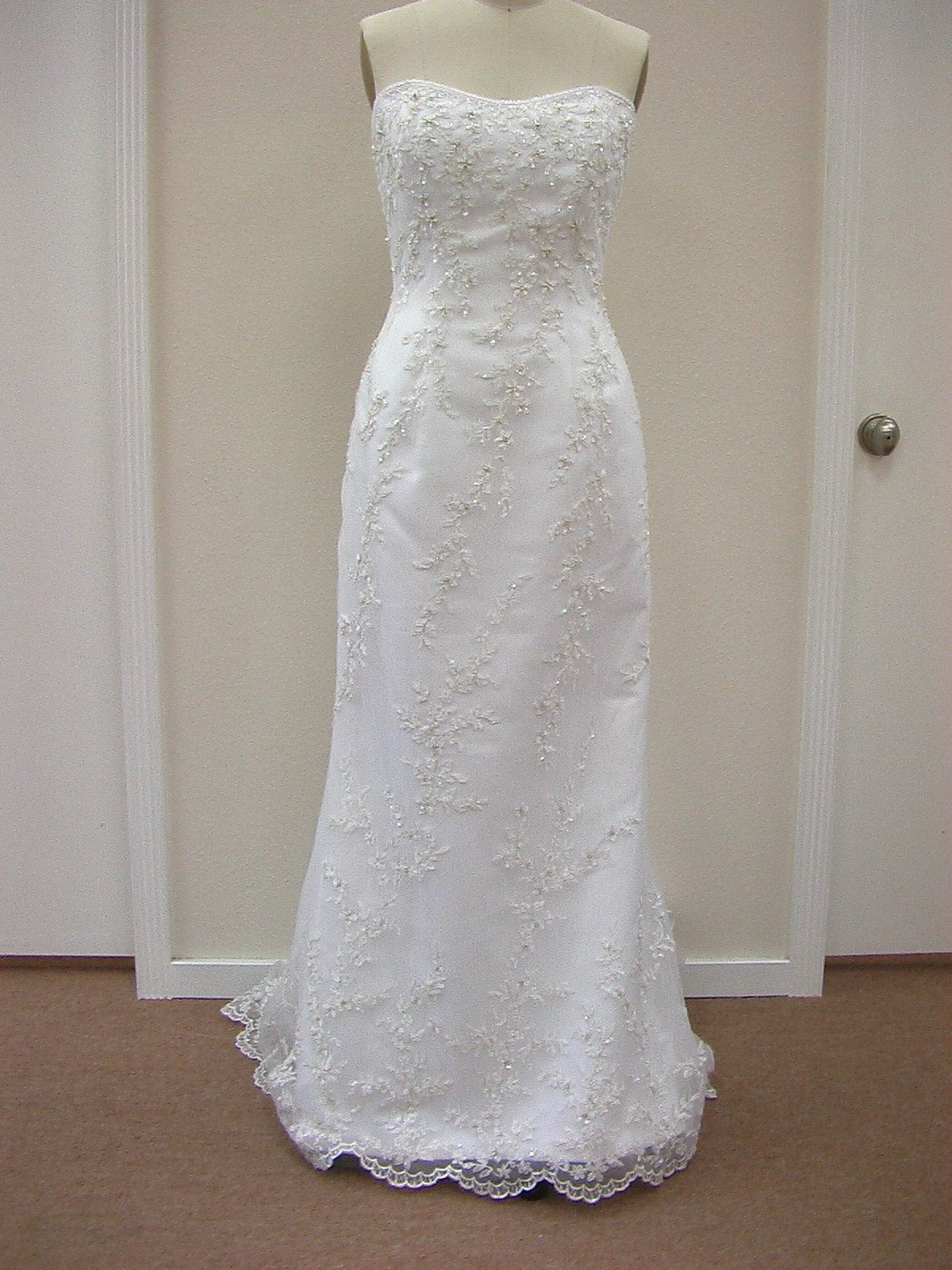 Casablanca 1820 White/Silver size 10 In Stock Wedding Dress - Tom's Bridal